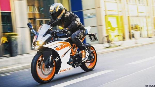 Krafträder mit einem Hubraum bis max. 125 ccm und einer Leistung von bis zu 11 KW / 15 PS